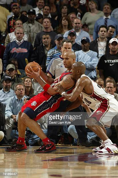Richard Jefferson of the New Jersey Nets post up against Eric Snow of the Cleveland Cavaliers in Game Five of the Eastern Conference Semifinals...