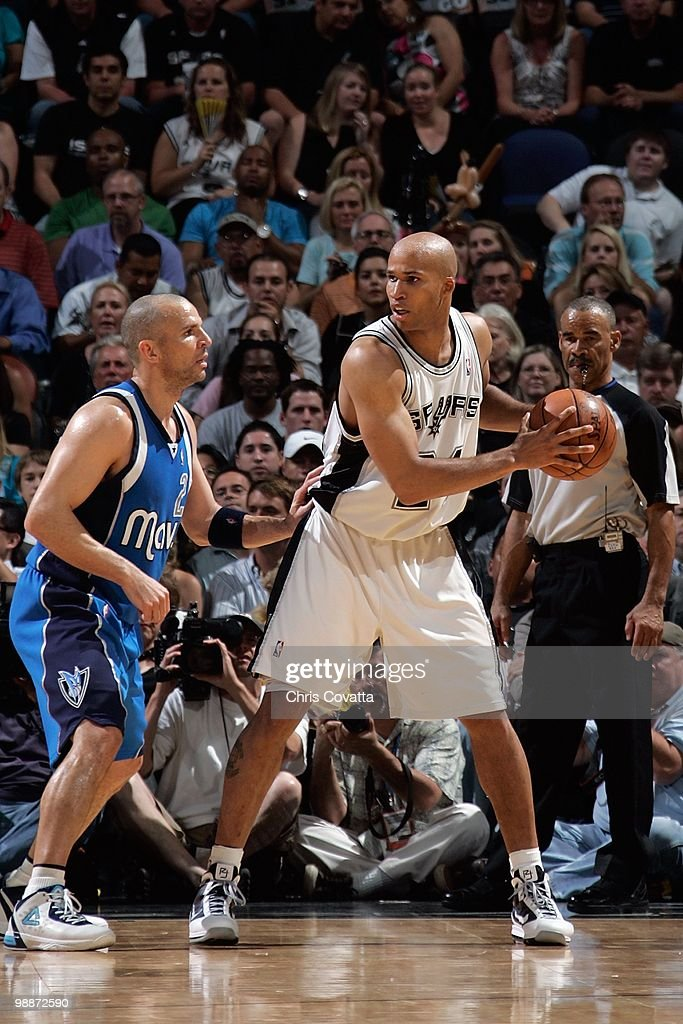 Richard Jefferson #24 of the San Antonio Spurs handles the ball against Jason Kidd #2 of the Dallas Mavericks in Game Three of the Western Conference Quarterfinals during the 2010 NBA Playoffs on April 23, 2010 at the AT&T Center in San Antonio, Texas. The Spurs won 94-90.