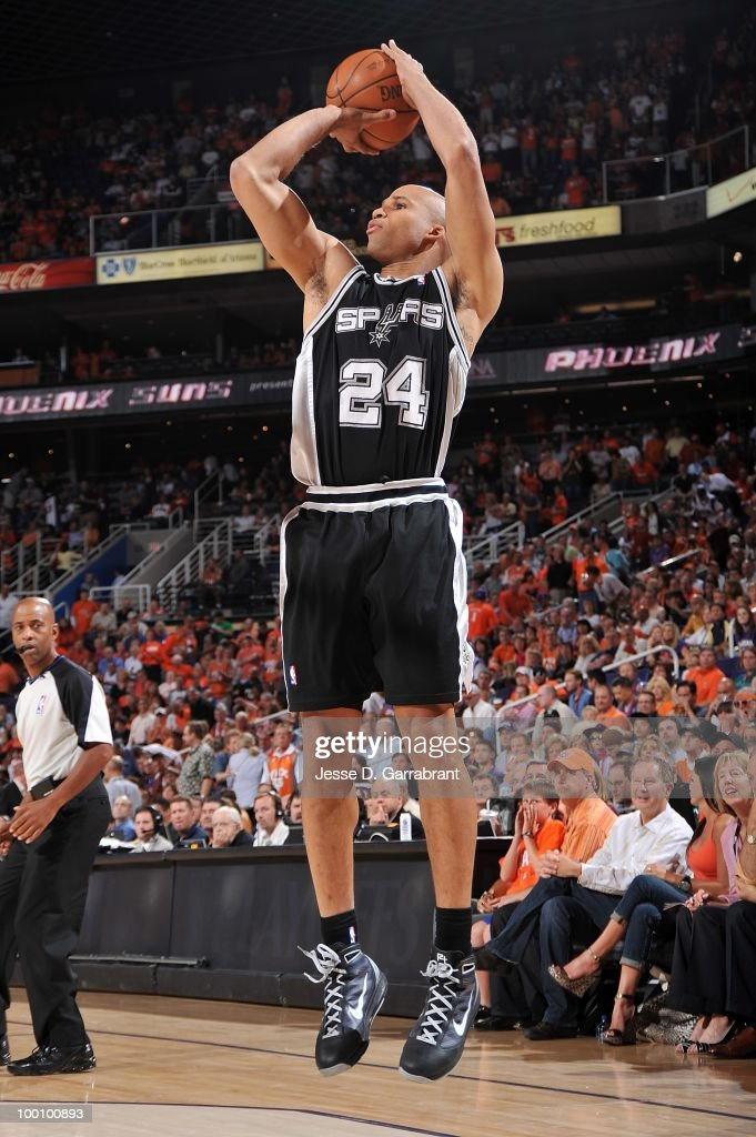 Richard Jefferson #24 of the San Antonio Spurs shoots while taking on the Phoenix Suns in Game Two of the Western Conference Semifinals during the 2010 NBA Playoffs on May 5, 2010 at US Airways Center in Phoenix, Arizona. The Suns won 110-102.