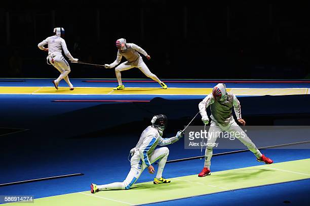 Richard Kruse of Great Britain defeats Andrea Cassara of Italy during Men's Individual Foil on Day 2 of the Rio 2016 Olympic Games at Carioca Arena 3...