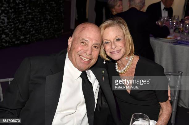 Richard Leibner and Linda Lindenbaum attend the Alzheimer's Drug Discovery Foundation Eleventh Annual Connoisseur's Dinner at Sotheby's on May 10...
