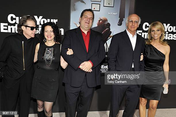 Richard Lewis Susie Essman Jeff Garlin Larry David and Cheryl Hines pose for a picture at the premiere of HBO's Curb Your Enthusiasm season 7 held at...