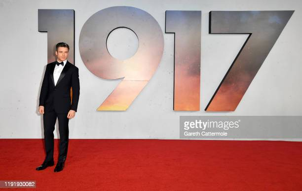 """Richard Madden attends the """"1917"""" World Premiere and Royal Performance at the Odeon Luxe Leicester Square on December 04, 2019 in London, England."""