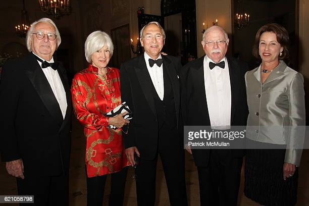 Richard Meier Mia Solow Sheldon Solow Michael Steinhardt and Judy Steinhardt attend Institute of Fine Arts 75th Anniversary Dinner Honoring Shedon H...