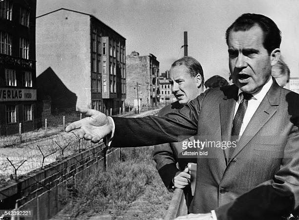 Richard Nixon am Checkpoint Charlie
