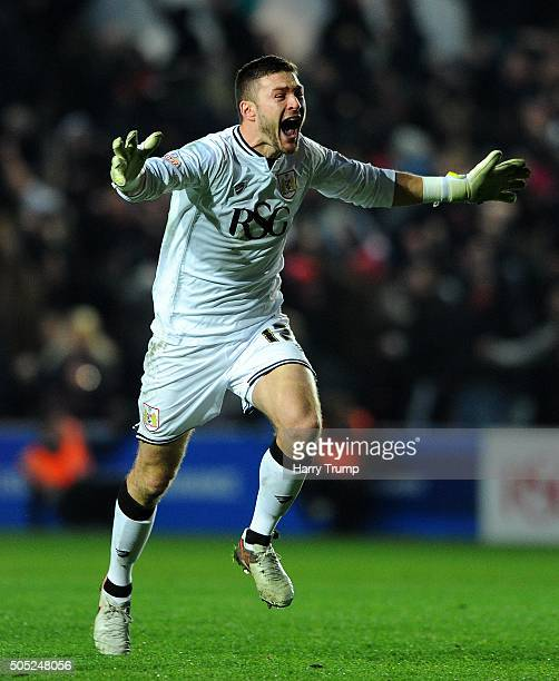 Richard OÕDonnell of Bristol City celebrates as Aden Flint of Bristol City scores his sides first and the winning goal during the Sky Bet...