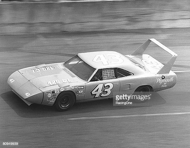 Richard Petty approached the 1970 Daytona 500 with a Chryslerbacked twocar Plymouth Superbird team with teammate Pete Hamilton Although Petty may...