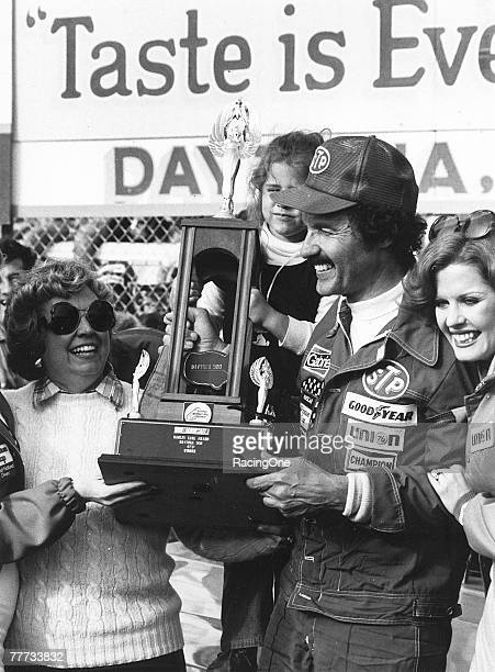 Richard Petty won the 1979 Daytona 500 on Februaray 18 1979 in Daytona Beach Florida This was the first race ever televised live flagtoflag Petty...