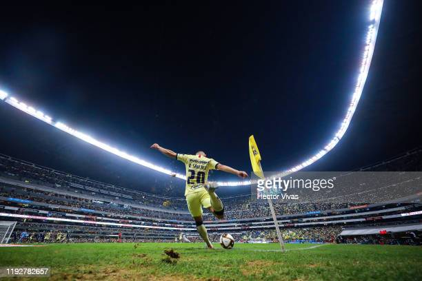 Richard Sánchez of America kicks the ball during the Semifinals second leg match between America and Morelia as part of the Torneo Apertura 2019 Liga...