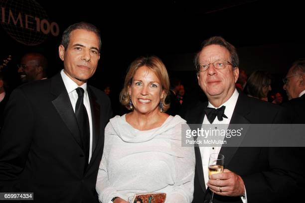 Richard Stengel Mary Pfaff and Johh Huey attend TIME MAGAZINE'S 100 MOST INFLUENTIAL PEOPLE 2009 at Jazz At Lincoln Center on May 5 2009 in New York...