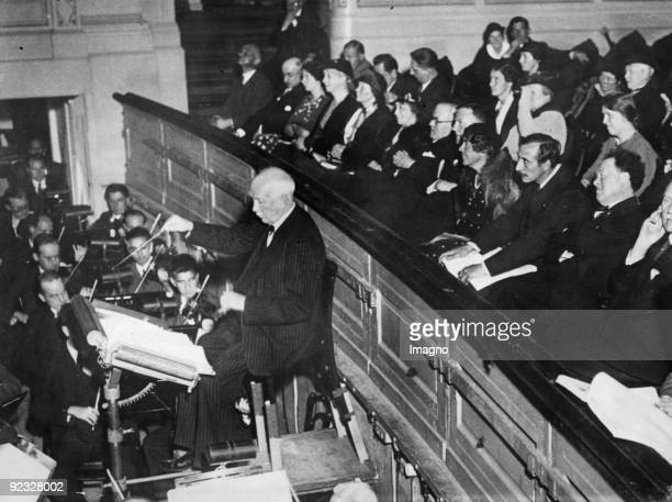 "Richard Strauss conducts ""Arabella"" in Amsterdam. Photograph. 1934"