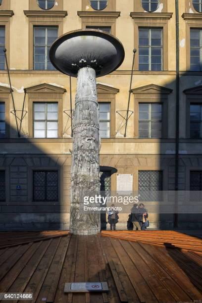 richard strauss fountain in munich. - emreturanphoto stock-fotos und bilder