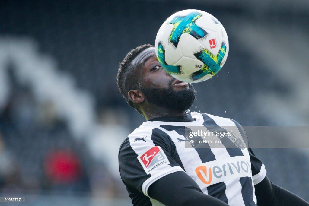 Richard Sukuta-Pasu of Sandhausen controls the ball during the Second Bundesliga match between SV Sandhausen and Eintracht Braunschweig at BWT-Stadion am Hardtwald on February 11, 2018 in Sandhausen, Germany.