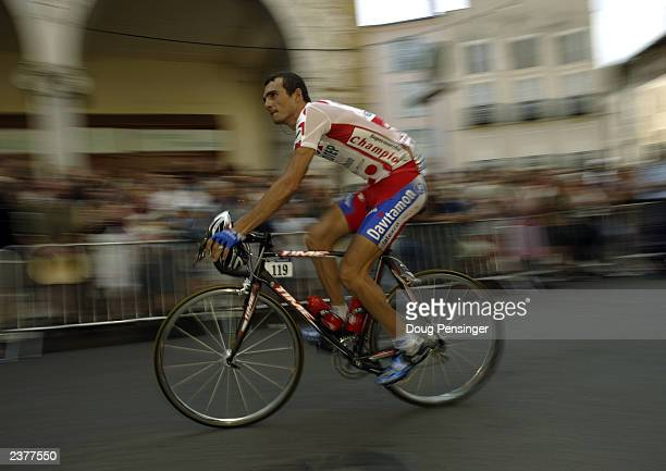 Richard Virenque of France, riding for Quick Step-Davitamon, competes in stage 14 of the Tour de France from Saint Girons to Loundenvielle-Le Louron...