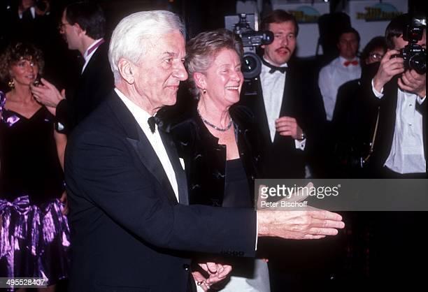 Richard von Weizsäcker und Ehefrau Marianne beim Ball des Sports am in der Rheingoldhalle in Mainz Deutschland