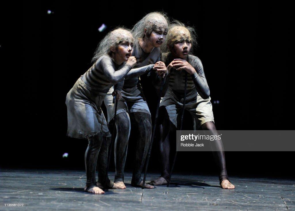 English National Opera Presents Mozart's The Magic Flute : News Photo