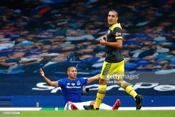 Richarlison of Everton appeals for a penalty as Oriol Romeu of Southampton looks on during the Premier League match between Everton FC and...
