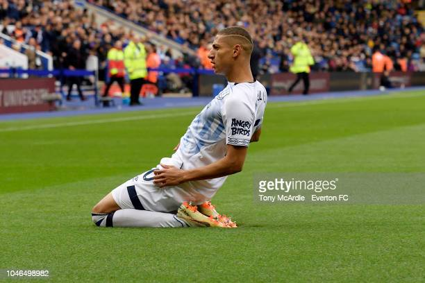 Richarlison of Everton celebrates his goal during the Premier League match between Leicester City and Everton at the King Power Stadium on October 6...