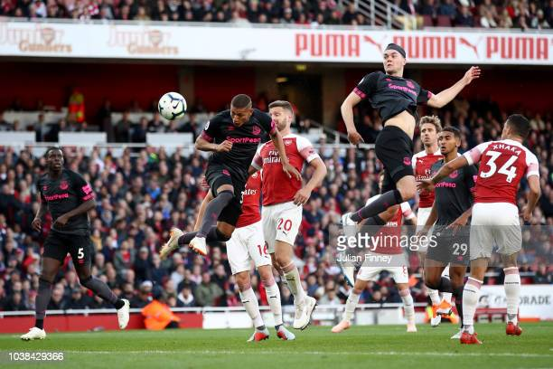 Richarlison of Everton heads the ball during the Premier League match between Arsenal FC and Everton FC at Emirates Stadium on September 23 2018 in...
