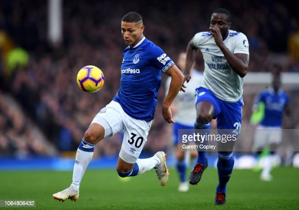 Richarlison of Everton is closed down by Sol Bamba of Cardiff City during the Premier League match between Everton FC and Cardiff City at Goodison...