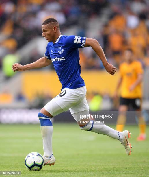 Richarlison of Everton runs with the ball during the Premier League match between Wolverhampton Wanderers and Everton FC at Molineux on August 11...