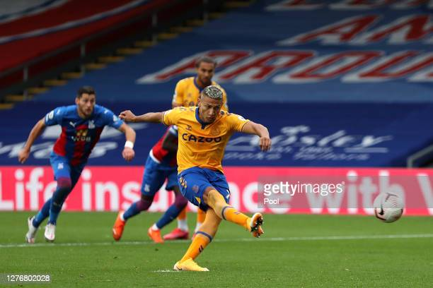 Richarlison of Everton scores a penalty for his sides second goal during the Premier League match between Crystal Palace and Everton at Selhurst Park...