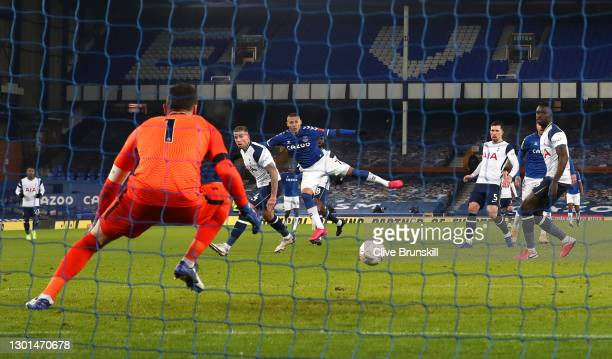Richarlison of Everton scores their side's second goal past Hugo Lloris of Tottenham Hotspur during The Emirates FA Cup Fifth Round match between...