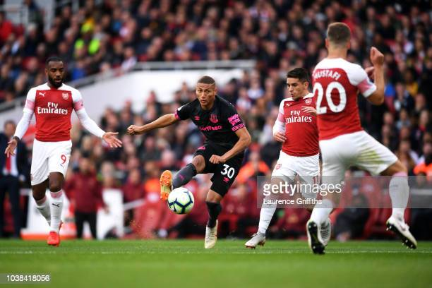 Richarlison of Everton shoots during the Premier League match between Arsenal FC and Everton FC at Emirates Stadium on September 23 2018 in London...