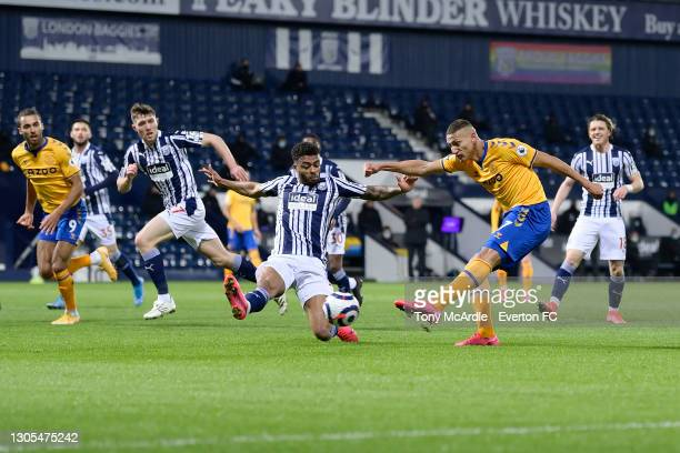 Richarlison of Everton with a chance on goal during the Premier League match between West Bromwich Albion and Everton at The Hawthorns on March 4...