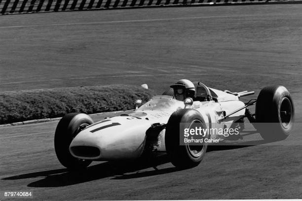 Richie Ginther, Honda RA272, Grand Prix of Mexico, Autodromo Hermanos Rodriguez, Magdalena Mixhuca, 24 October 1965. Richie Ginther driving his Honda...
