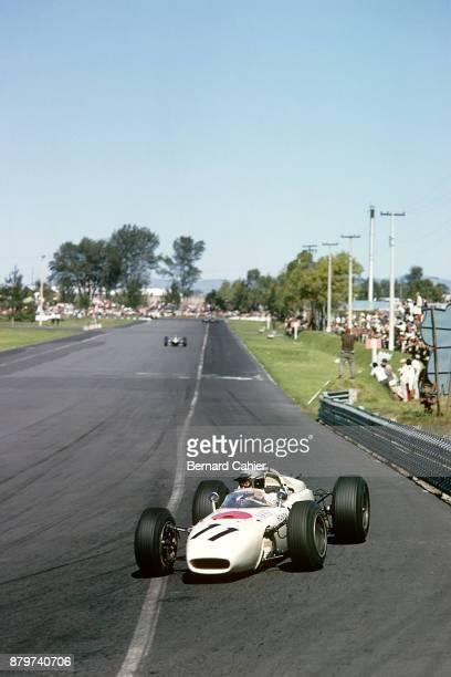Richie Ginther Honda RA272 Grand Prix of Mexico Autodromo Hermanos Rodriguez Magdalena Mixhuca 24 October 1965 Richie Ginther driving his Honda RA272...