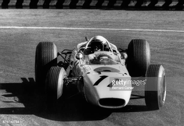 Richie Ginther Honda RA272 Grand Prix of Mexico Autodromo Hermanos Rodriguez Magdalena Mixhuca 24 October 1965 Richie Ginther driving his Honda RA272...