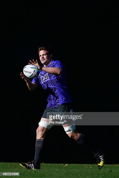 Richie McCaw of the All Blacks during a New Zealand All Blacks training session at Sophia Gardens on September 27 2015 in Cardiff United Kingdom