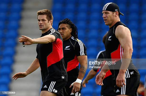 Richie McCaw of the All Blacks during a New Zealand All Blacks IRB Rugby World Cup 2011 captain's run at Trusts Stadium on October 15, 2011 in...