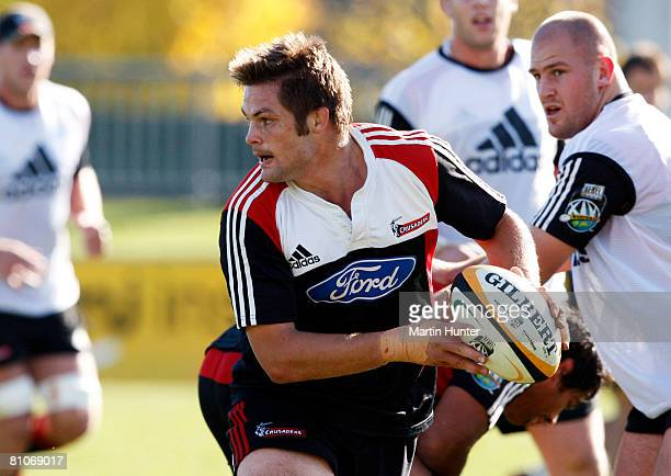 Richie McCaw of the Crusaders looks to pass the ball during a Crusaders training session at Rugby Park on May 13 2008 in Christchurch New Zealand