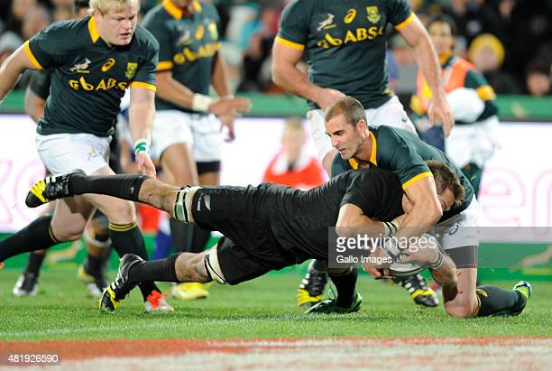 Richie McCaw scores the winning try during The Castle Lager Rugby Championship 2015 match between South Africa and New Zealand at Emirates Airline...