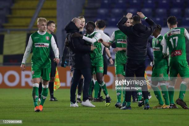 Richie Musaba of FC Dordrecht celebrate the win 0-1, headcoach Ben Kinds of FC Dordrecht during the Dutch Keuken Kampioen Divisie match between NAC...