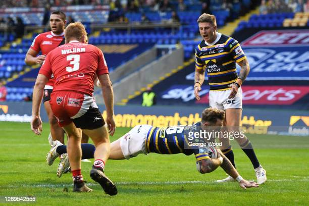 Richie Myler of Leeds Rhinos scores a try during the Betfred Super League match between Leeds Rhinos and Salford Red Devils at The Halliwell Jones...