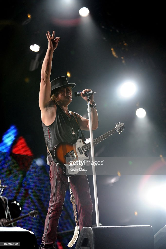 Richie Sambora of Bon Jovi perform during 'The Circle World Tour' at New Meadowlands Stadium on May 26, 2010 in East Rutherford, New Jersey.