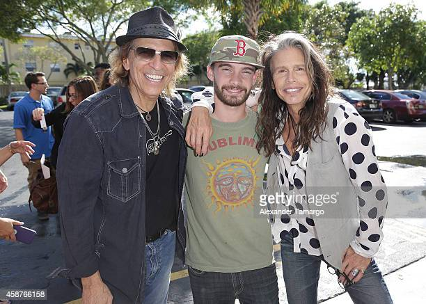 Richie Supa Taj Monroe Tallarico and Steven Tyler are seen at Recovery Unplugged on November 10 2014 in Fort Lauderdale Florida Steven Tyler...