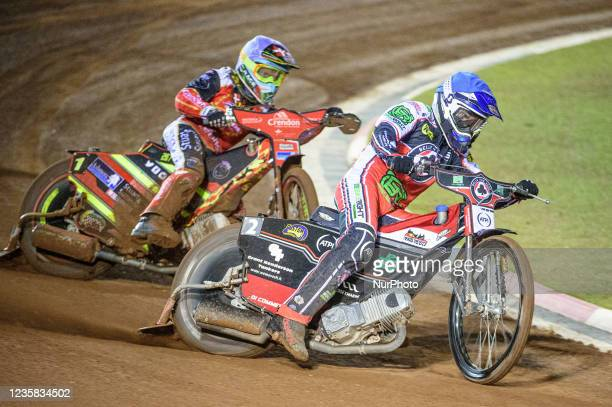 Richie Worrall leads Michael Palm Toft during the SGB Premiership Grand Final 1st Leg between Belle Vue Aces and Peterborough Panthers at the...