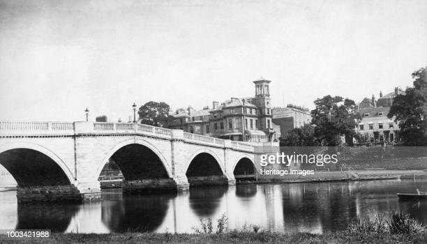 Richmond Bridge Richmond upon Thames London circa 1860circa 1887 Richmond Bridge was built between 1774 and 1777 by James Paine and Kenton Couse It...