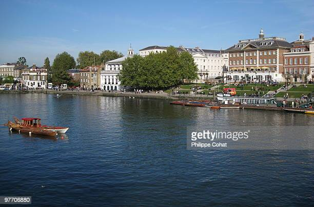 richmond riverside, west london. - richmond upon thames stock pictures, royalty-free photos & images