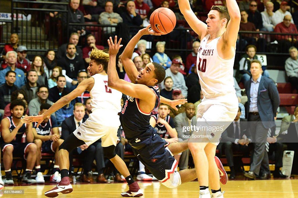 NCAA BASKETBALL: JAN 14 Richmond at Saint Joseph's : News Photo