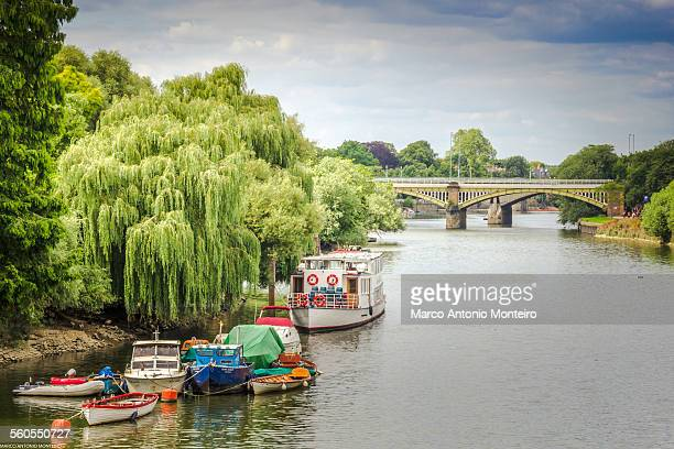richmond upon thames - thames river - richmond upon thames stock pictures, royalty-free photos & images