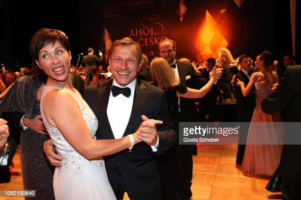 Richy Mueller and his wife Christl Stumhofer dance during the Leipzig Opera Ball Ahoj Cesko on October 13 2018 in Leipzig Germany