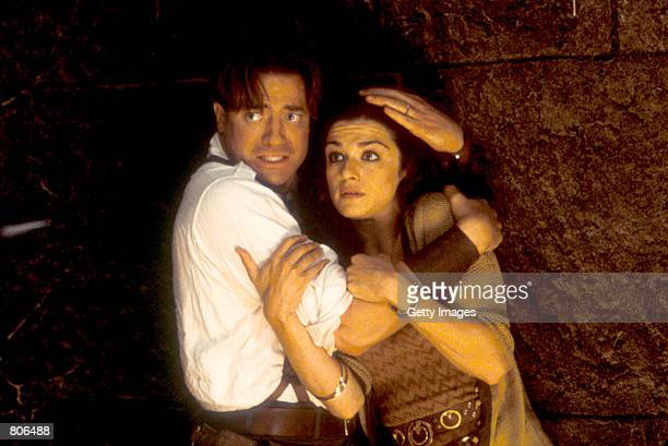 Rick and Evelyn O''Connell brace themselves for trouble in 'The Mummy Returns'