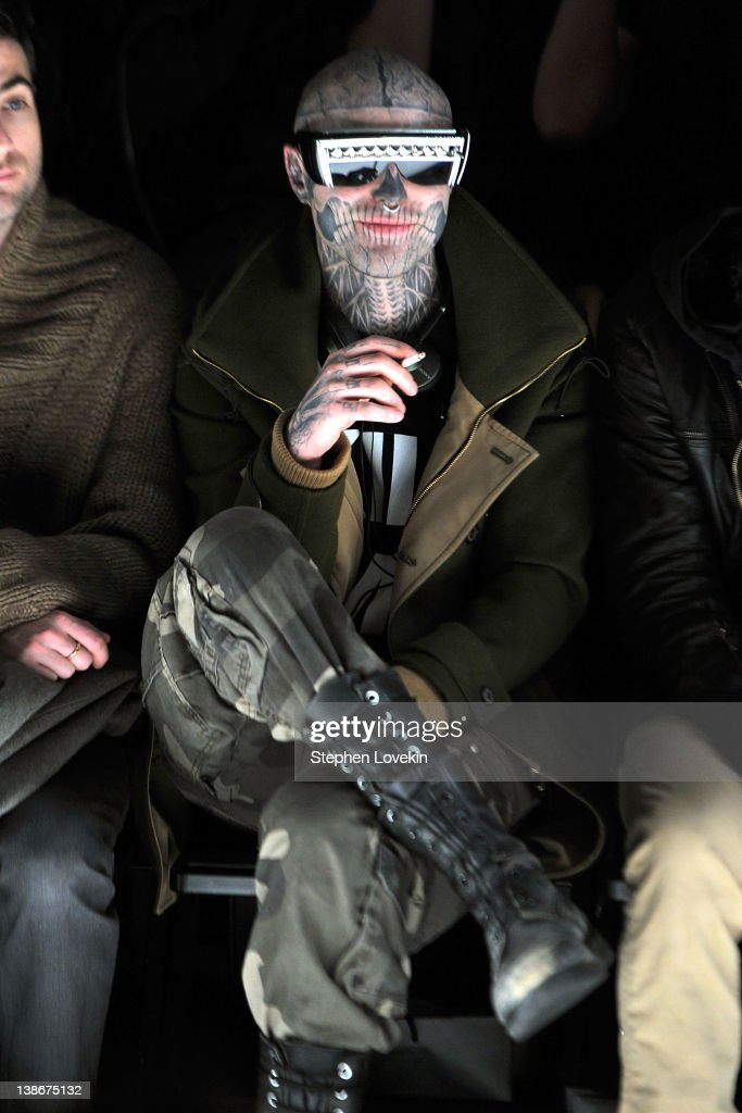 General Idea - Front Row - Fall 2012 Mercedes-Benz Fashion Week : News Photo