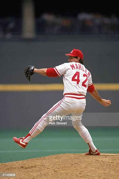 Rick Mahler of the Cincinnati Reds winds back to pitch during a MLB game in the 1990 season