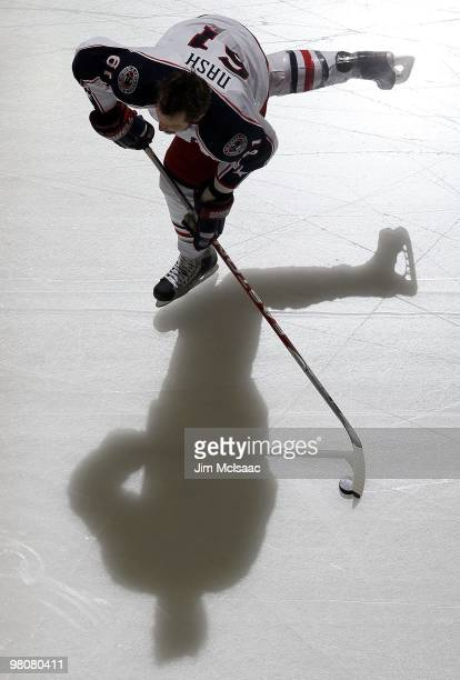 Rick Nash of the Columbus Blue Jackets warms up before playing against the New Jersey Devils at the Prudential Center on March 23, 2010 in Newark,...
